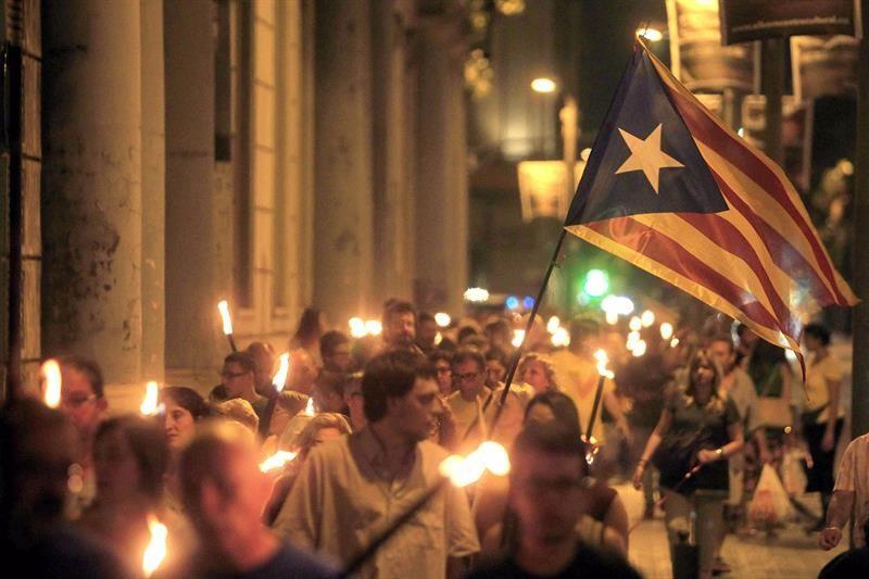 Viva Catalunya - Página 10 Antorchas-diada