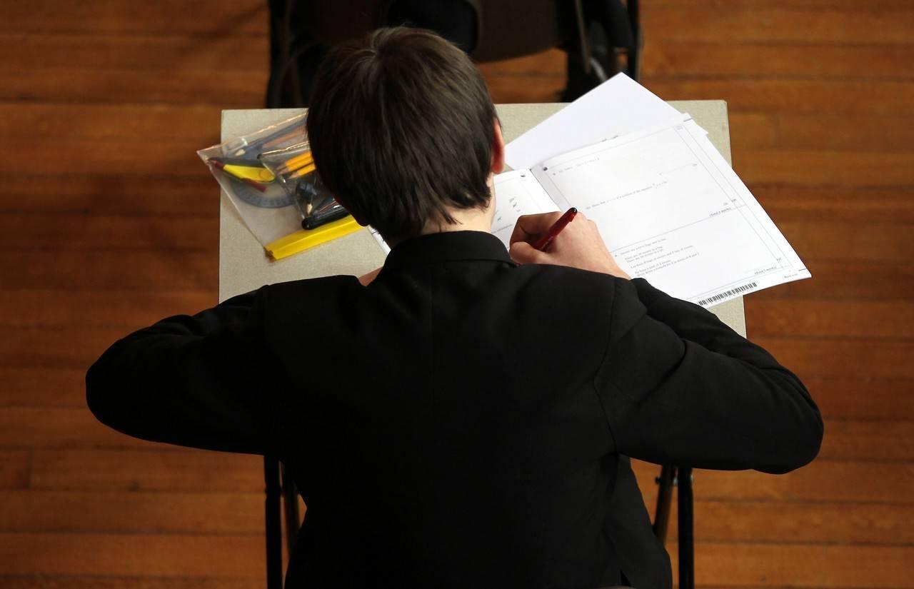 Ningún colegio en Cataluña acata la sentencia del TS sobre el castellano y sólo el 4% nombra la Constitución