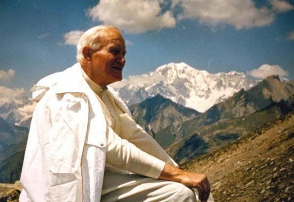 La sangre robada de Juan Pablo II y la pista que apunta a los ...
