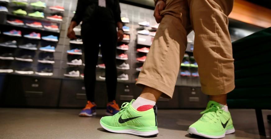Grande Nike España Outlet De Más En Abrirá Libre Su Alcorcón Mercado rqwPxAYq7