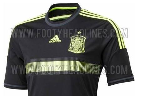 La segunda camiseta de España en el Mundial será negra con ribetes ... 7f6421476e350