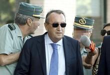 Carlos Fabra a su llegada al juzgado   EFE