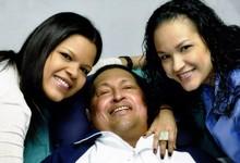 Chávez, junto a sus hijas   Gobierno de Venezuela