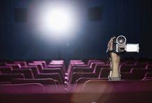 Descargar películas 'screener' grabadas en el cine es una práctica habitual. | Corbis