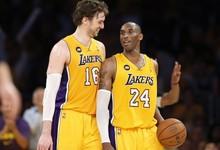 Gasol y Bryant, durante un partido de los Lakers | Cordon Press