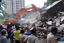 Busca de desaparecidos entre los escombros