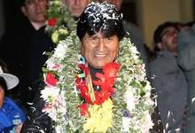 Morales, recibido en el aeropuerto de La Paz   Efe