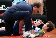 Andy Murray es atendido de sus problemas en la espalda durante el Masters de Roma. | EFE/Archivo