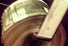 Billetes de 100 dólares usados por Gilbert Arenas como papel higiénico. | instagram: gilbertarenas0