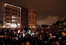 Manifestantes en la plaza Taksim, en la pasada madrugada   Efe