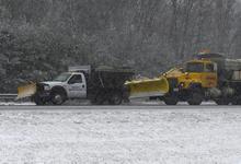 Quitanieves en una carretera de Massachussets, estado afectado | Efe