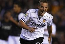 Roberto Soldado celebra un gol con el Valencia | Cordon Press
