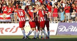 Los jugadores del Almería celebran un gol. | EFE