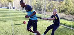 Ricart, junto a Abidal. | Foto: FC Barcelona