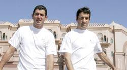 Abraham Olano (i), junto a Melchor Mauri en Abu Dhabi. | Cordon Press
