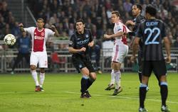 Moisander (3i) marca el 2-1 en la victoria del Ajax ante el Manchester City. | EFE