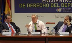 Alejandro Blanco (c), durante la primera sesión de los Encuentros LFP.   EFE