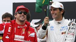 Fernando Alonso y Pedro de la Rosa, durante el último GP de Brasil. | Cordon Press/Archivo