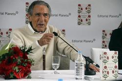 Antonio Gala durante la presentación de su libro   EFE