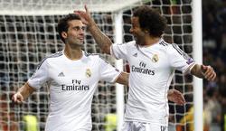 Arbeloa celebra con Marcelo su gol al Galatasaray. | Cordon Press