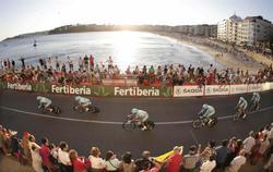 El Astana ganó la primera etapa de la Vuelta a España. | EFE