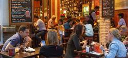 Imagen de un bar en Sevilla I Corbis