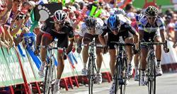 El italiano Paolo Bennati se ha llevado la etapa al esprint. | EFE