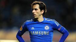 Benayoun, durante un encuentro reciente con el Chelsea. | Cordon Press