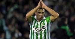 Rubén Castro se lamenta por una oportunidad fallida. | EFE