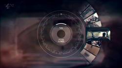 Fotograma de 'Black Mirror' en que un personaje accede a sus recuerdos almacenados. | BBC
