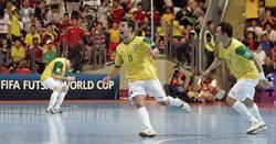 Los jugadores brasileños celebran el triunfo. | EFE
