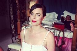La cuñada de Cameron preparada para su boda, mientras duerme el premier británico | Instagram