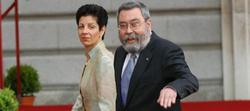 Cándido Méndez y su mujer Encarnación en la boda de los Príncipes de Asturias en mayo de 2004 | Archivo Cordon Press