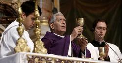 El arzobispo de Caracas, en una Eucaristía | Cordon Press