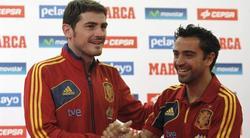 Casillas y Xavi, durante un acto de la selección española. | Archivo