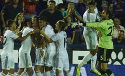 Los jugadores del Real Madrid celebran el gol de la victoria de Cristiano Ronaldo. | Cordon Press