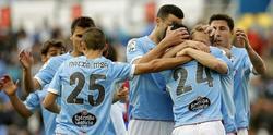 Los jugadores del Celta celebran el gol de Augusto Fernández en el Ciudad de Valencia. | EFE