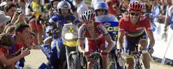 Contador resiste en la Bola del Mundo.   EFE