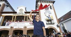 Alberto Contador, homenajeado en su Pinto natal. | EFE