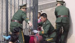 Una norcoreana intenta entrar en la embajada de Japón | Cordon Press