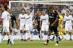 Cristiano Ronaldo celebra su segundo gol al Granada.   EFE