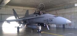 Uno de los F-18 en alerta en la base de Torrejón.   LD