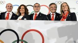 Alejandro Blanco (c), junto a Luis de Guindos, Ana Botella, Samaranch Jr. y Theresa Zabell. | EFE
