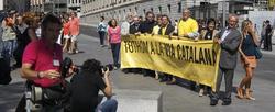 Pancarta desplegada por diputados de grupos nacionalistas   EFE