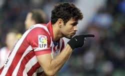 Diego Costa celebra su gol ante el Elche. | Cordon Press