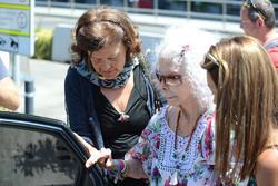 La Duquesa de Alba en el aeropuerto de Ibiza | Cordon Press