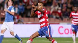 El Arabi celebra uno de sus dos goles al Athletic. | Cordon Press