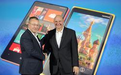 Stephen Elop y Steve Ballmer durante la presentación de Windows Phone 8 en noviembre de 2012. | Corbis