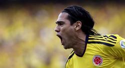 Falcao celebra uno de sus dos goles a Paraguay. | EFE