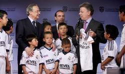 Florentino Pérez, junto al presidente de Colombia, Juan Manuel Santos. | EFE